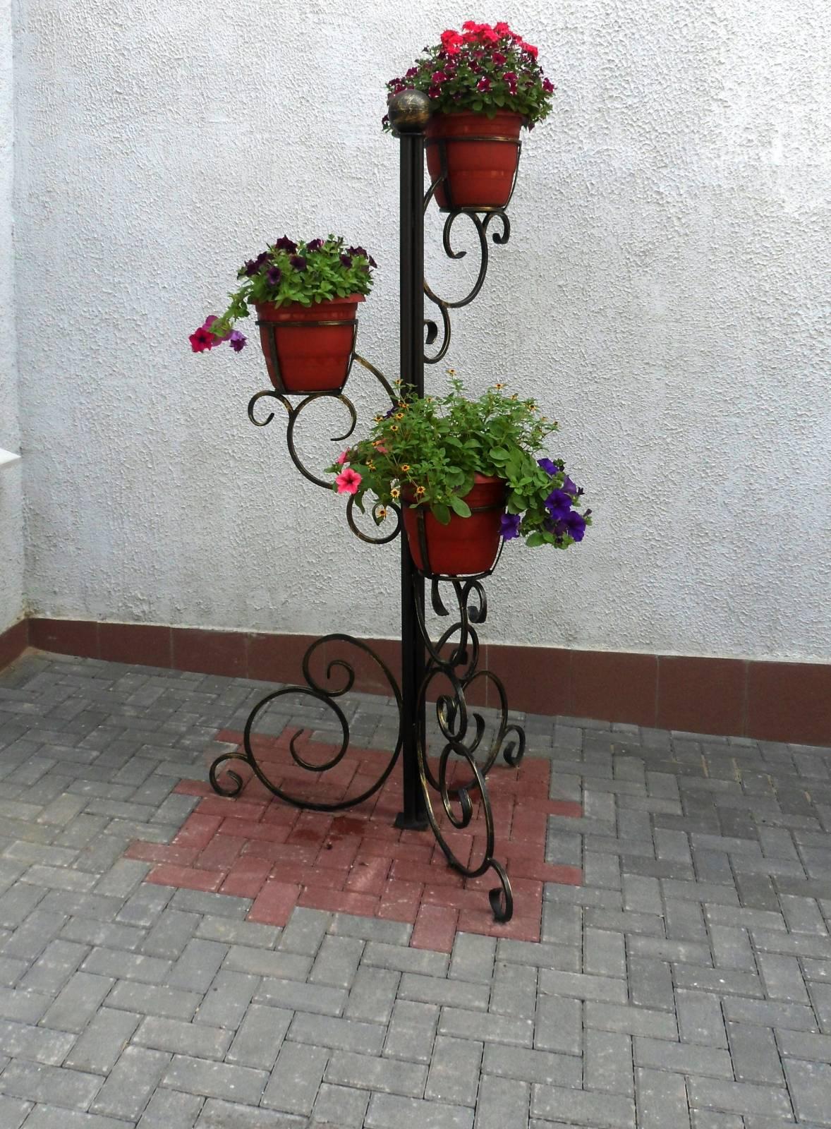 Подставки под цветы из металла фото цены